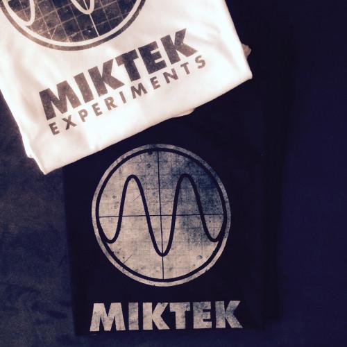 MIKTEK Logo|T-Shirt
